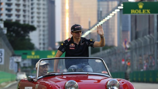 Max Verstappen (NED) Red Bull Racing on the drivers parade at Formula One World Championship, Rd15, Singapore Grand Prix, Race, Marina Bay Street Circuit, Singapore, Sunday 18 September 2016. &copy&#x3b; Sutton Images