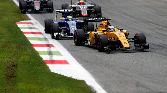 Kevin Magnussen (DEN) Renault Sport F1 Team RS16 leads Marcus Ericsson (SWE) Sauber C35 at Formula One World Championship, Rd14, Italian Grand Prix, Race, Monza, Italy, Sunday 4 September 2016. &copy&#x3b; Sutton Images