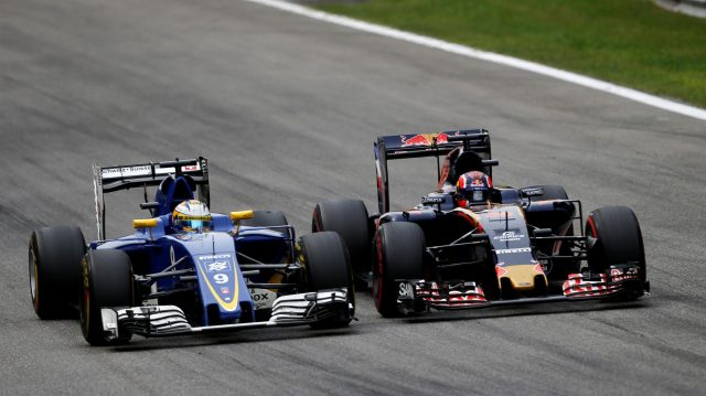 Marcus Ericsson (SWE) Sauber C35 and Daniil Kvyat (RUS) Scuderia Toro Rosso STR11 battle at Formula One World Championship, Rd14, Italian Grand Prix, Race, Monza, Italy, Sunday 4 September 2016. &copy&#x3b; Sutton Images