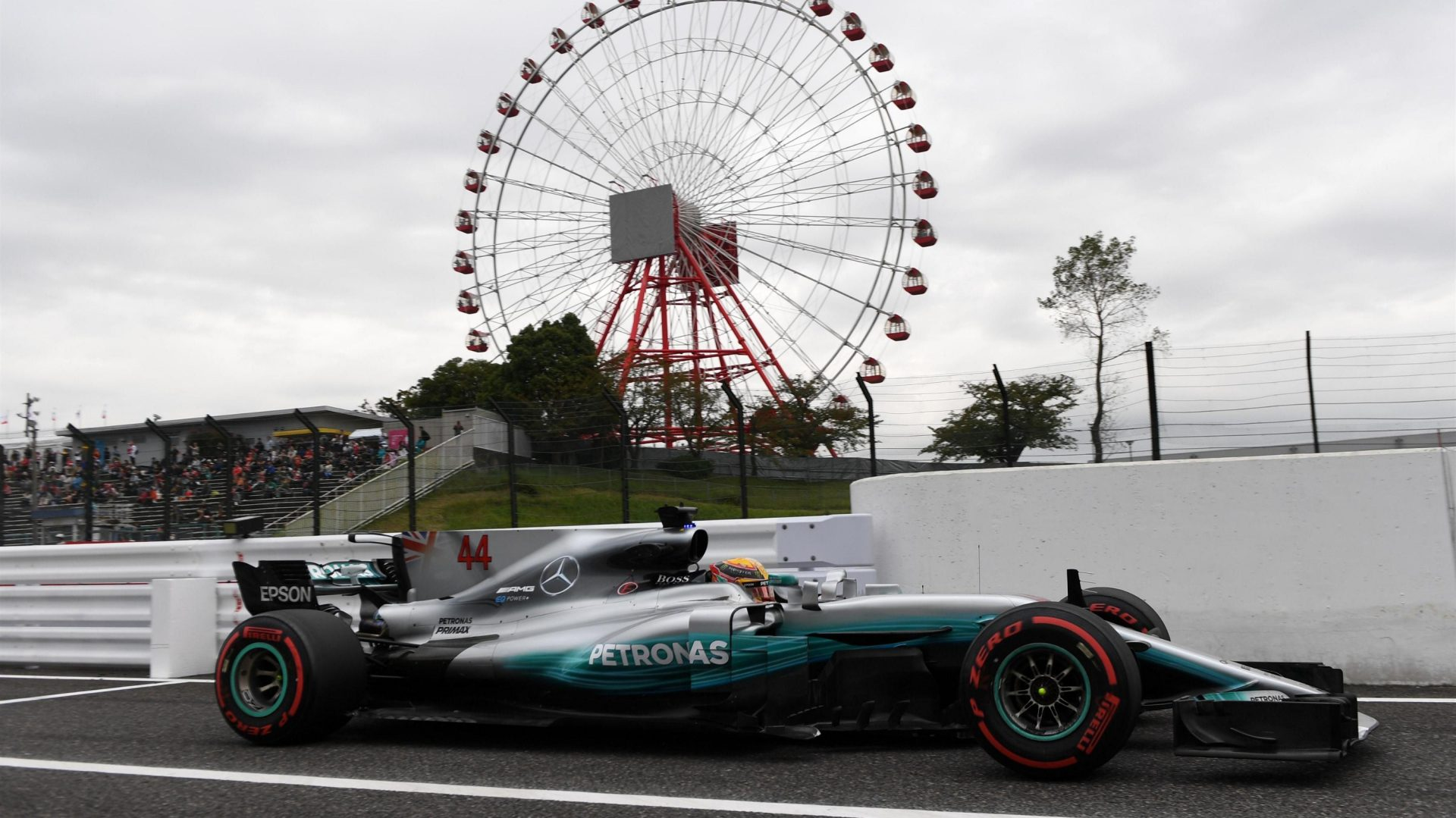 https://www.formula1.com/content/fom-website/en/latest/features/2017/10/gallery--the-best-images-from-japan/_jcr_content/featureContent/manual_gallery_0/image10.img.1920.medium.jpg/1507254545668.jpg
