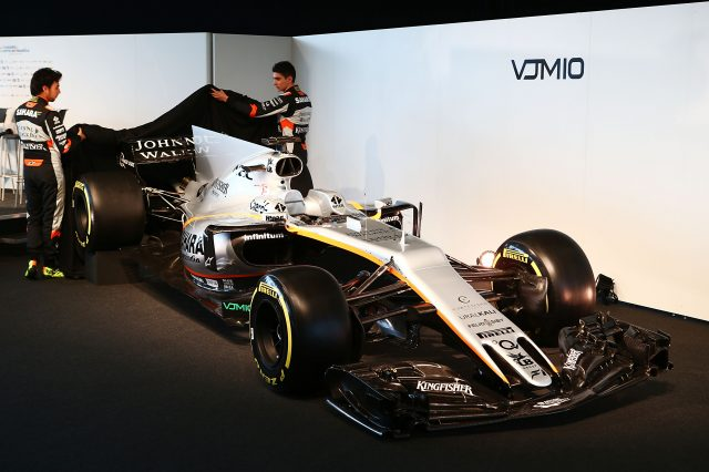 (L to R): Sergio Perez (MEX) Sahara Force India F1 and team mate Esteban Ocon (FRA) Sahara Force India F1 Team unveil the Sahara Force India F1 VJM10.