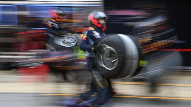 Red Bull Racing mechanics prepare for a pit stop at Formula One Testing, Day Two, Barcelona, Spain, 8 March 2017. &copy&#x3b; Sutton Images
