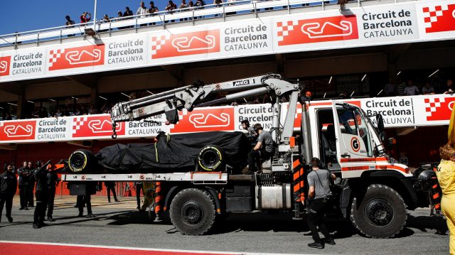 The car of Fernando Alonso (ESP) McLaren MCL32 is returned to the pits at Formula One Testing, Day Four, Barcelona, Spain, 10 March 2017. &copy&#x3b; Sutton Images