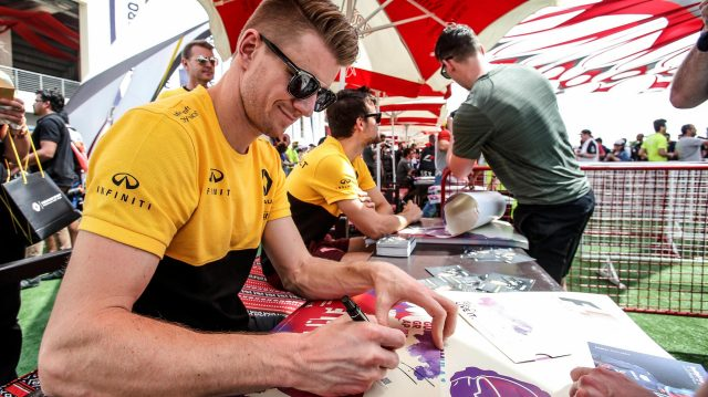 Nico Hulkenberg (GER) Renault Sport F1 Team signs autographs for the fans at Formula One World Championship, Rd3, Bahrain Grand Prix Qualifying, Bahrain International Circuit, Sakhir, Bahrain, Saturday 15 April 2017. &copy&#x3b; Sutton Motorsport Images
