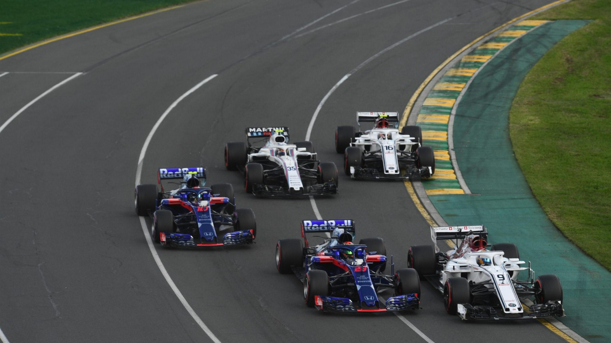 https://www.formula1.com/content/fom-website/en/latest/features/2018/3/gallery--best-images-from-australia/_jcr_content/featureContent/manual_gallery_96270764/image29.img.2048.medium.jpg/1521957329536.jpg