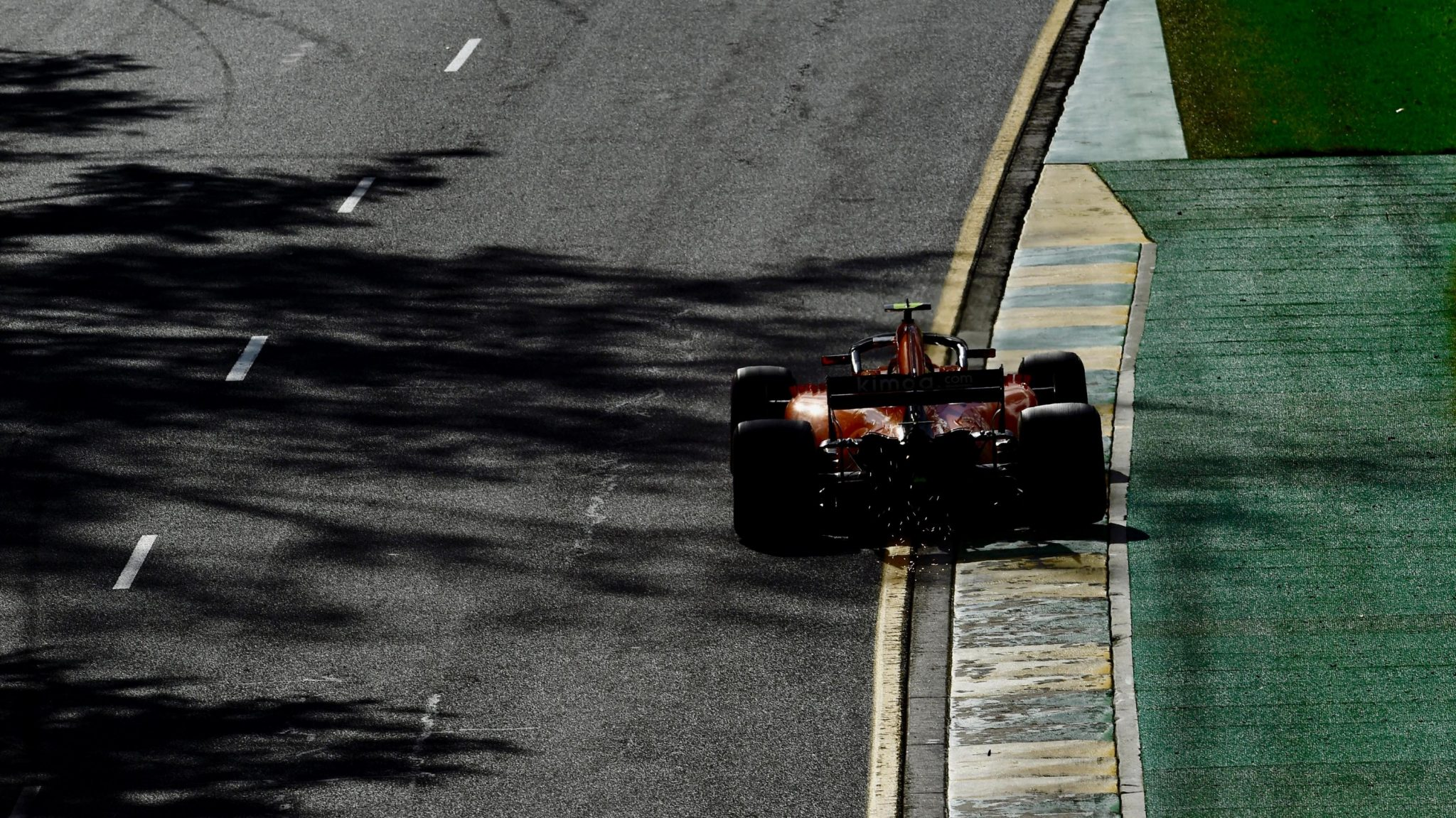 https://www.formula1.com/content/fom-website/en/latest/features/2018/3/gallery--best-images-from-australia/_jcr_content/featureContent/manual_gallery_96270764/image61.img.2048.medium.jpg/1521970415166.jpg
