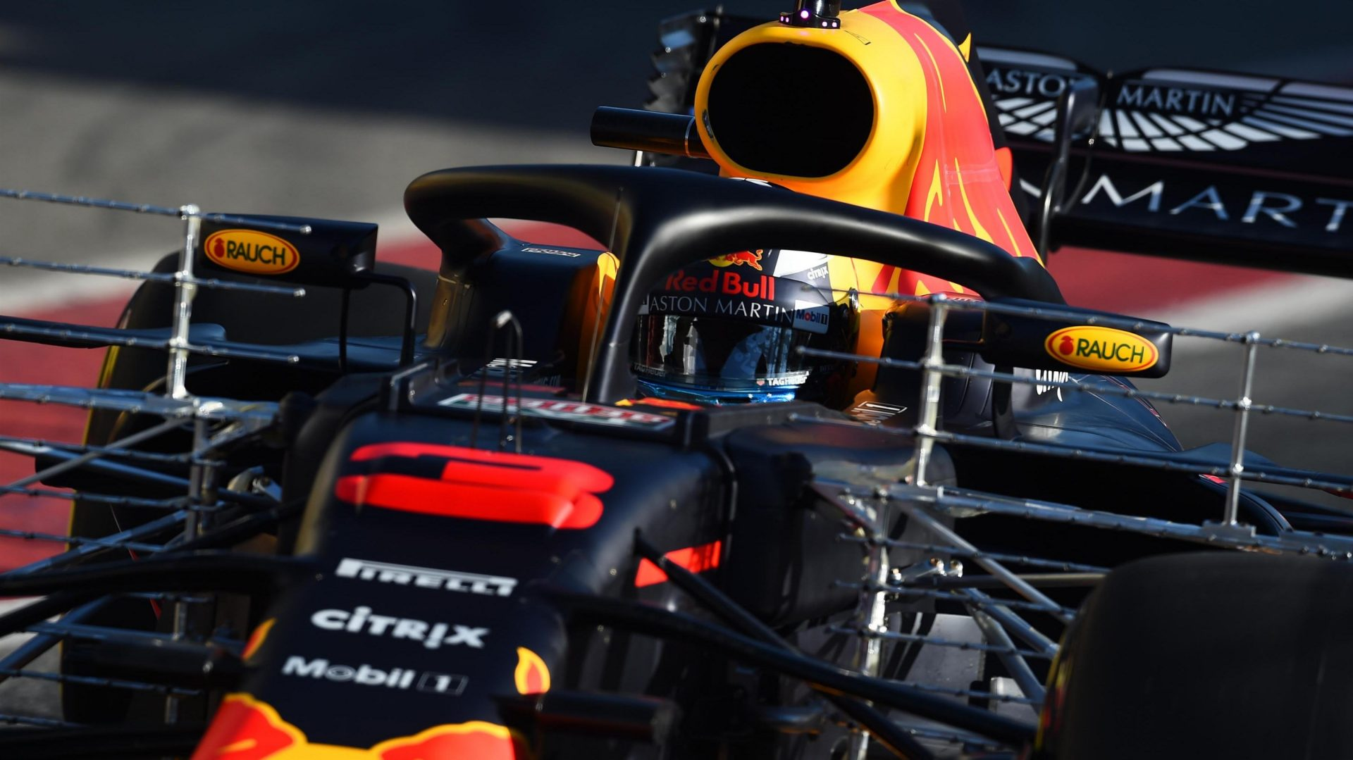 https://www.formula1.com/content/fom-website/en/latest/features/2018/3/gallery--day-4-of-the-second-barcelona-test/_jcr_content/featureContent/manual_gallery/image7.img.1920.medium.jpg/1520584735197.jpg