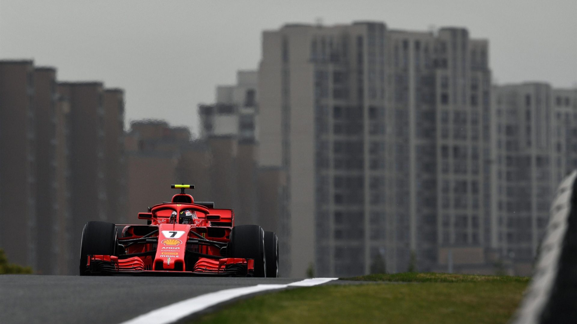 https://www.formula1.com/content/fom-website/en/latest/features/2018/4/gallery--the-best-images-from-friday-in-china/_jcr_content/featureContent/manual_gallery/image15.img.1920.medium.jpg/1523589068868.jpg