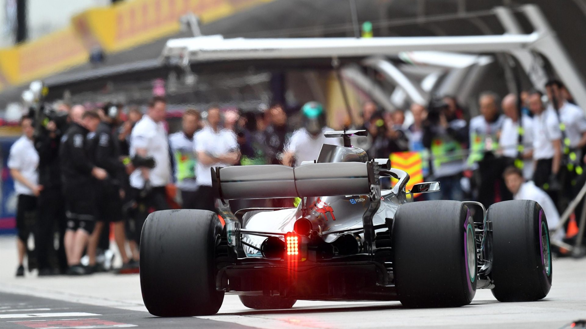 https://www.formula1.com/content/fom-website/en/latest/features/2018/4/gallery--the-best-images-from-friday-in-china/_jcr_content/featureContent/manual_gallery/image43.img.1920.medium.jpg/1523602285869.jpg