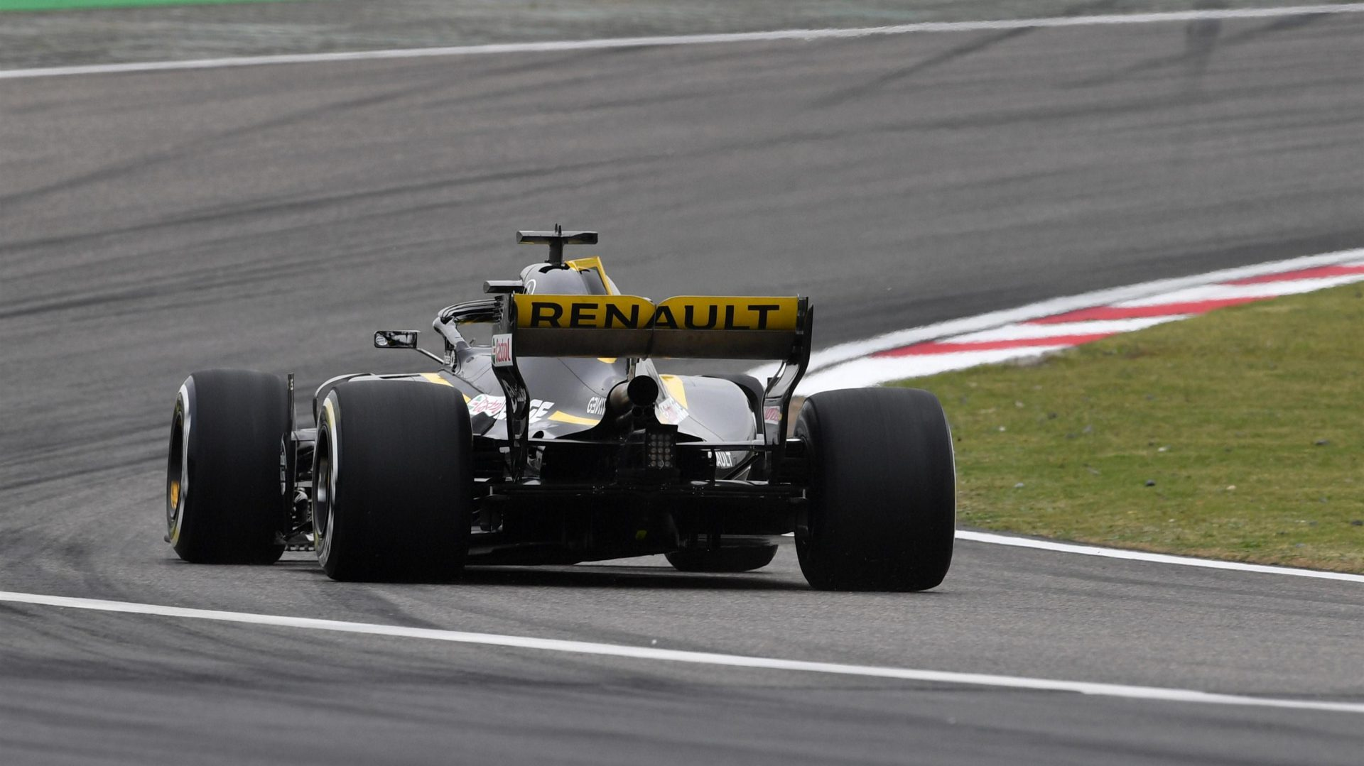 https://www.formula1.com/content/fom-website/en/latest/features/2018/4/gallery--the-best-images-from-friday-in-china/_jcr_content/featureContent/manual_gallery/image5.img.1920.medium.jpg/1523585316321.jpg