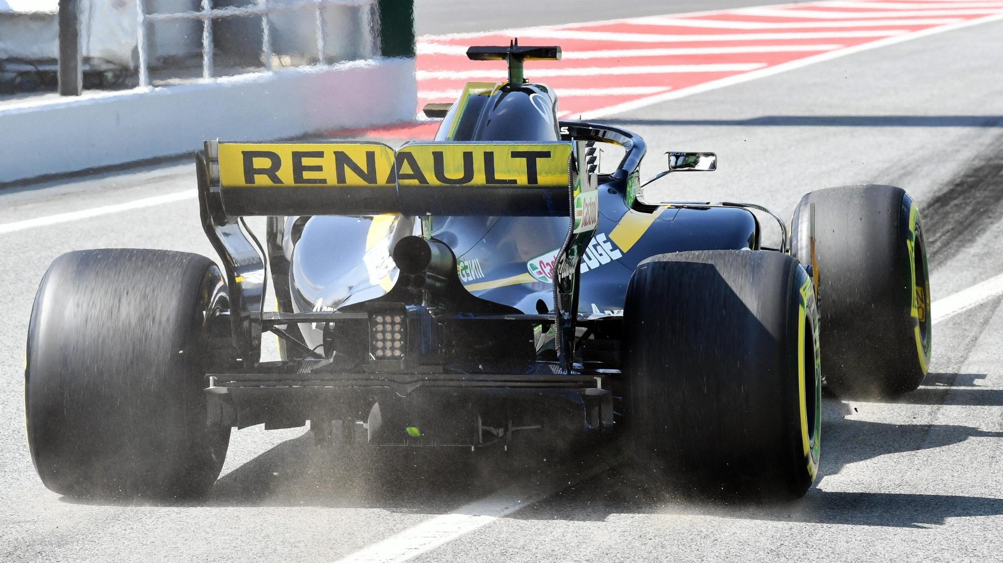 https://www.formula1.com/content/fom-website/en/latest/features/2018/5/gallery--the-best-images-from-friday-in-spain/_jcr_content/featureContent/manual_gallery/image31.img.2048.medium.jpg/1526042948692.jpg