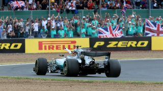 17 FLAT-OUT DAYS: F1's first triple header in focus