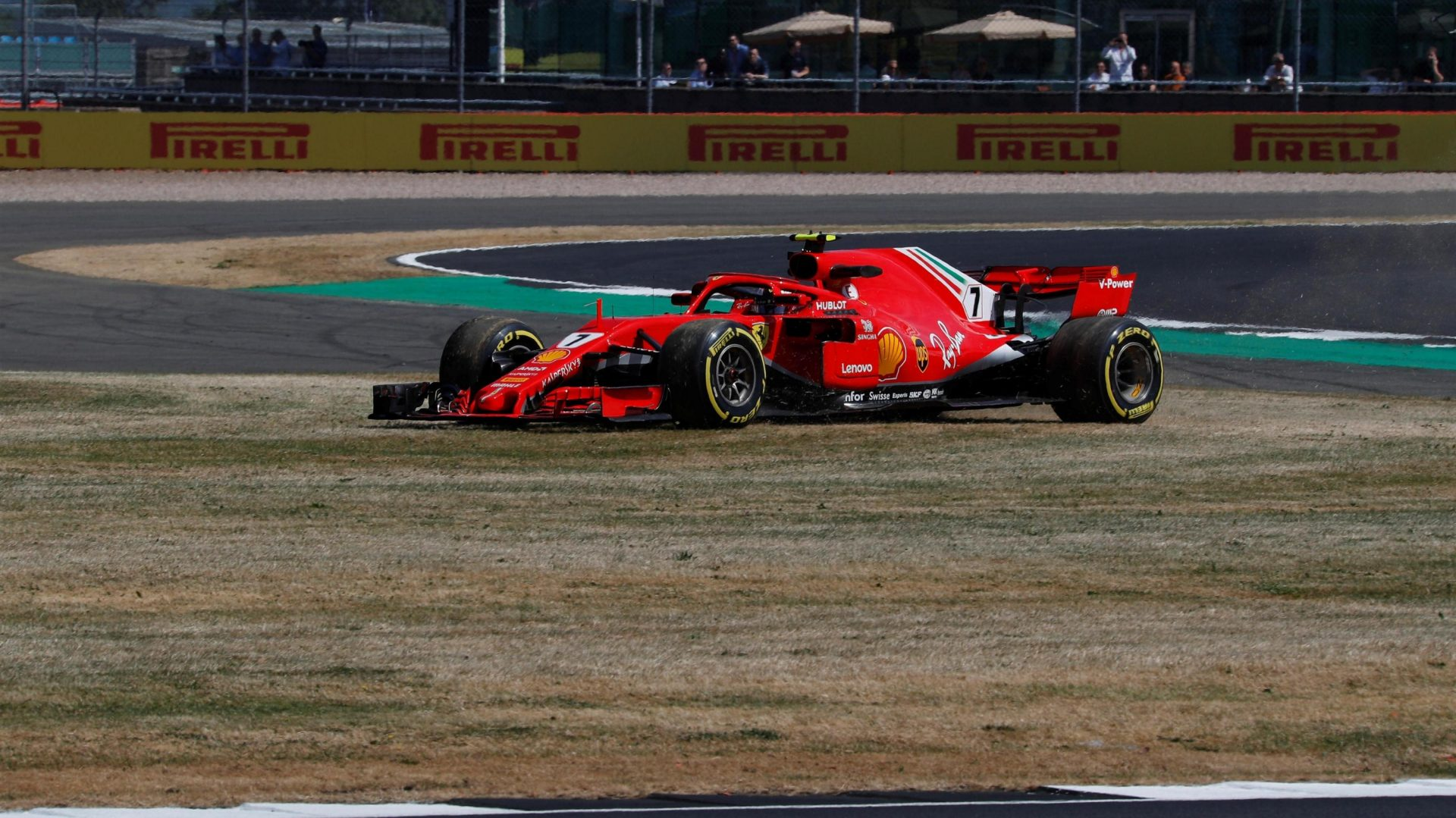 https://www.formula1.com/content/fom-website/en/latest/features/2018/7/gallery--the-best-images-from-great-britain/_jcr_content/featureContent/manual_gallery/image15.img.1920.medium.jpg/1530873239710.jpg