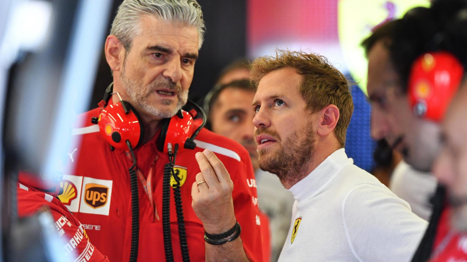 https://www.formula1.com/content/fom-website/en/latest/features/2018/7/gallery--the-best-images-from-great-britain/_jcr_content/featureContent/manual_gallery/image20.img.1920.medium.jpg/1530873559868.jpg