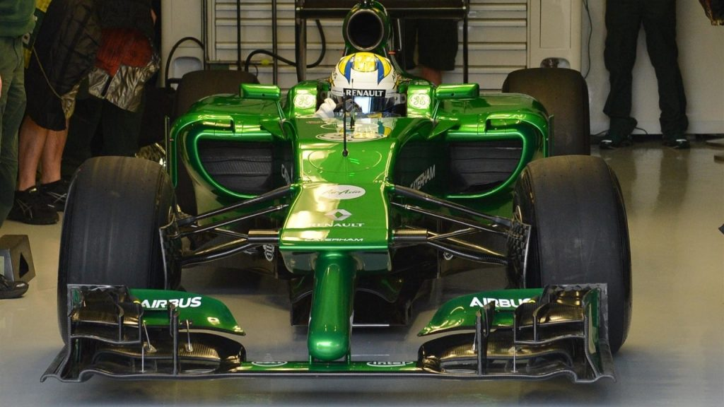 Caterham%20roll%20out%20striking%20new%20CT05%20in%20Jerez