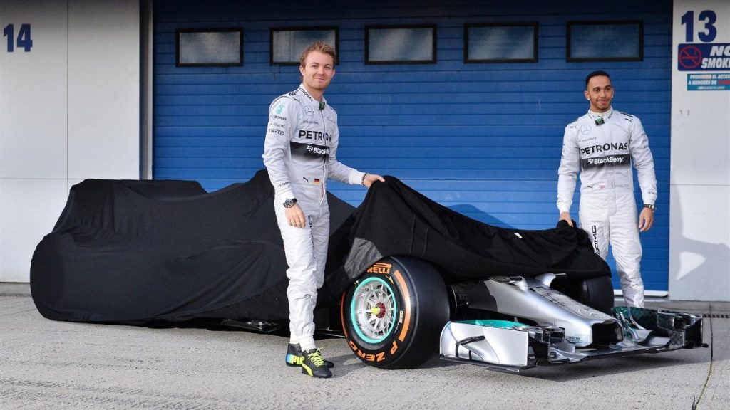 Mercedes%20F1%20W05%20breaks%20cover%20in%20Spain
