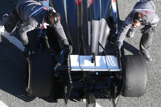 Sauber C32 rear wing detail. Formula One Testing, Day 1, Jerez, Spain, Tuesday, 5 February 2013. © Sutton Images