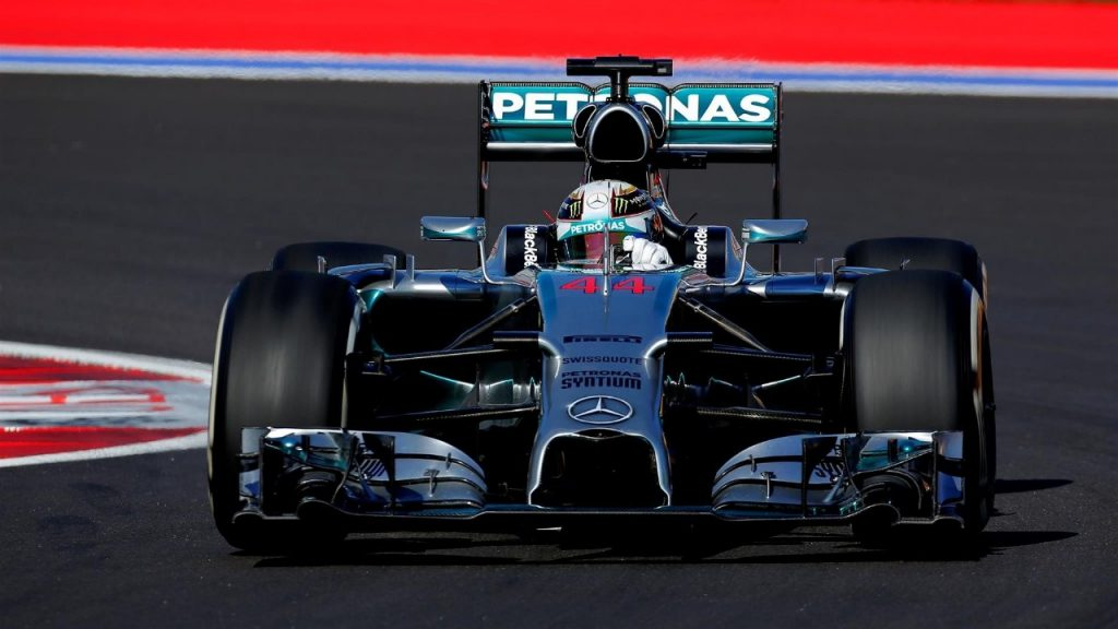 FP3%20-%20Hamilton%20sets%20a%20searing%20pace%20in%20Sochi