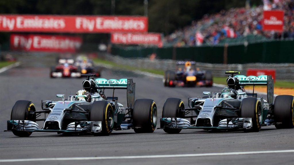 Hamilton%20and%20Rosberg%20told%20not%20to%20change%20approach