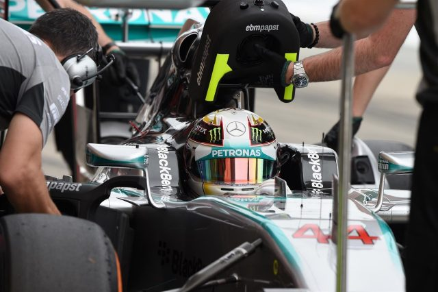 Lewis Hamilton (GBR) Mercedes AMG F1 W05. Formula One World Championship, Rd15, Japanese Grand Prix, Qualifying, Suzuka, Japan, Saturday, 4 October 2014