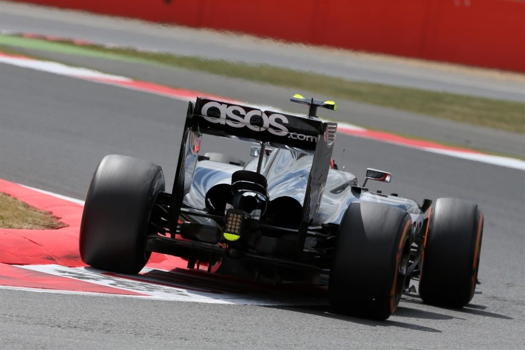 McLaren-Honda%20interim%20car%20set%20for%20first%20run%20on%20Friday