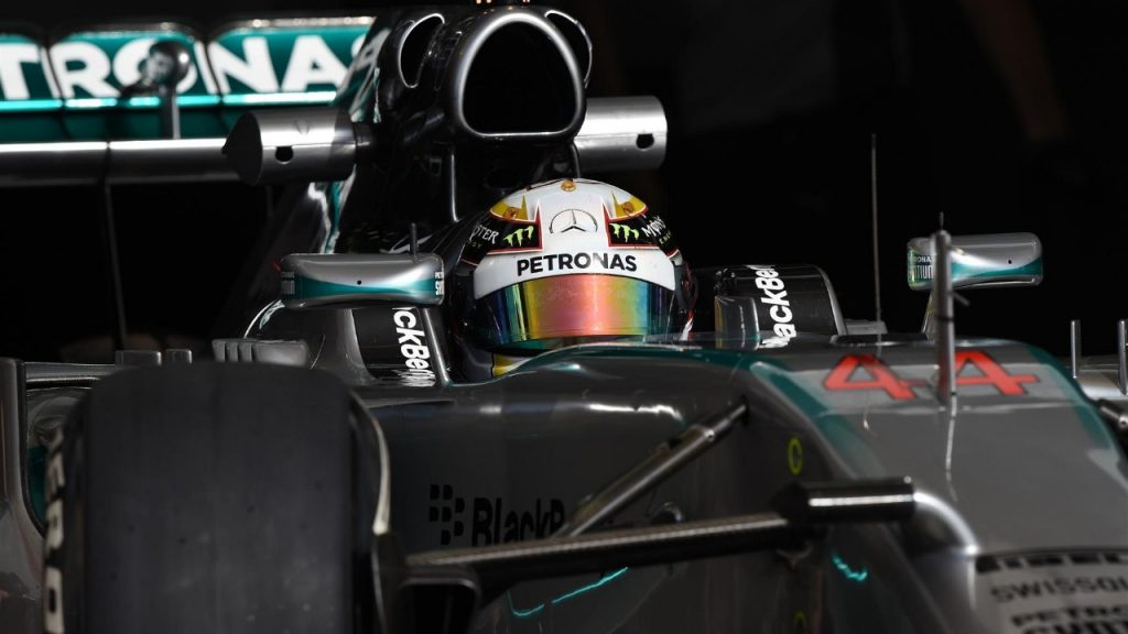 Hamilton%20keeps%20Mercedes%20on%20top%20as%20Bahrain%20test%20ends