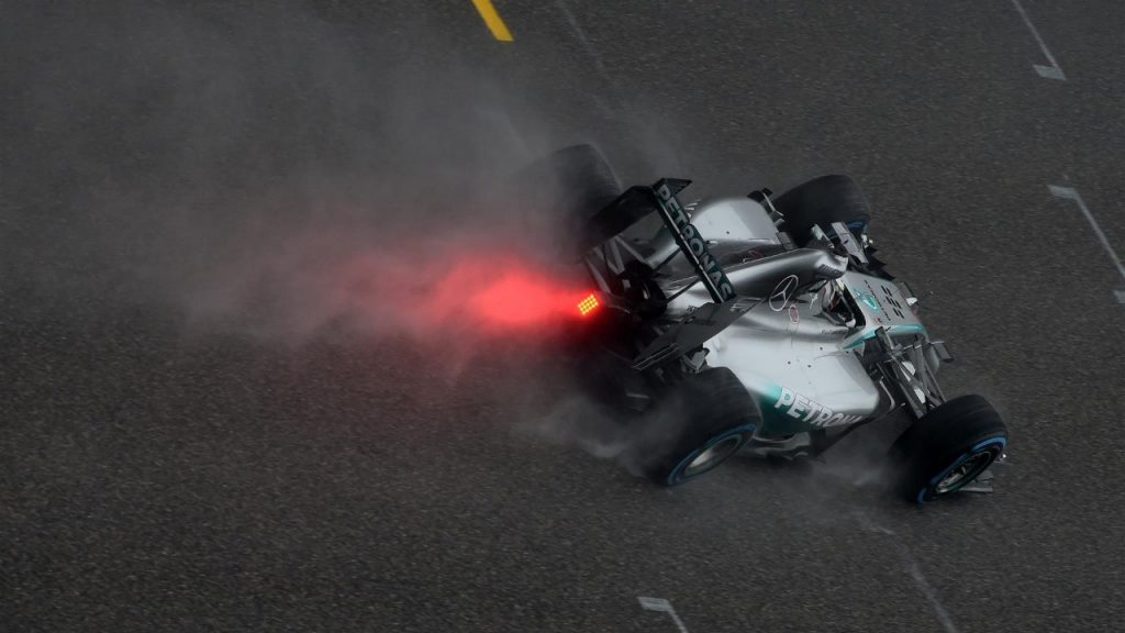 Qualifying%20-%20Hamilton%20takes%20dominant%20wet-weather%20pole%20in%20China