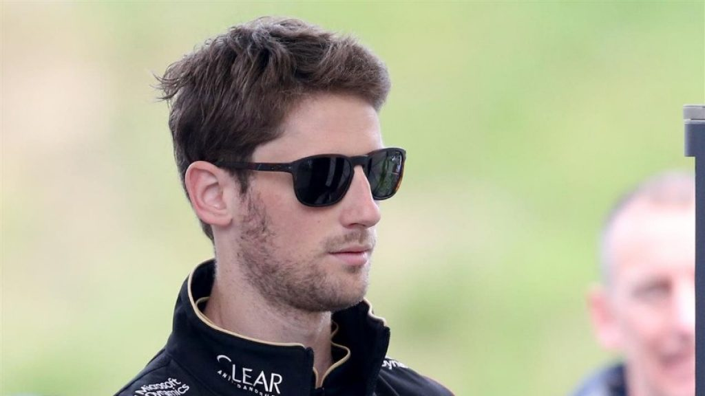 Grosjean%20to%20start%20from%20pit%20lane%20after%20car%20changes