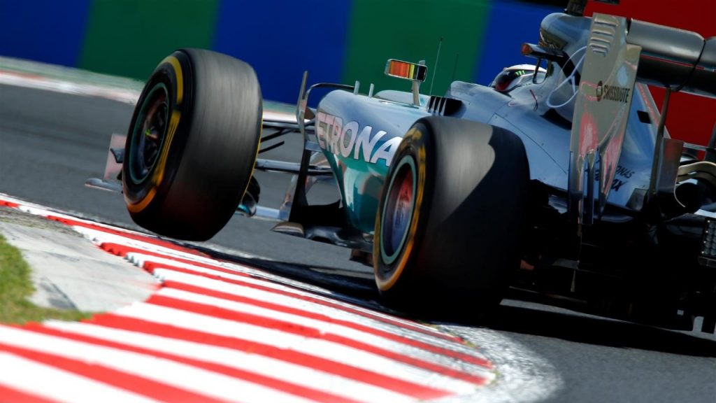 FP3%20-%20Hamilton%20fastest%20in%20Budapest%20but%20field%20closes%20in