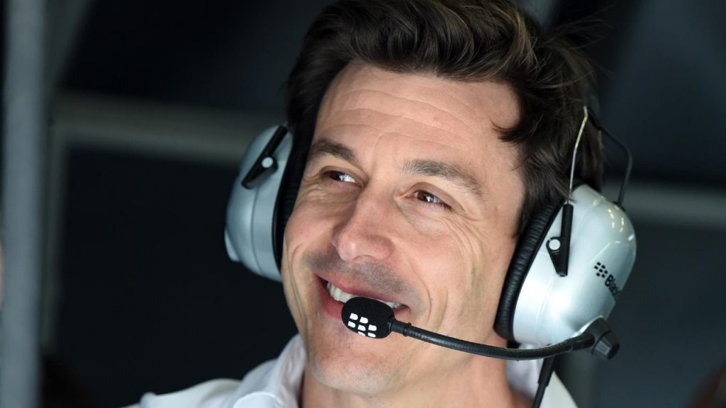 Toto%20Wolff%20expected%20in%20Hungary%20despite%20bike%20crash