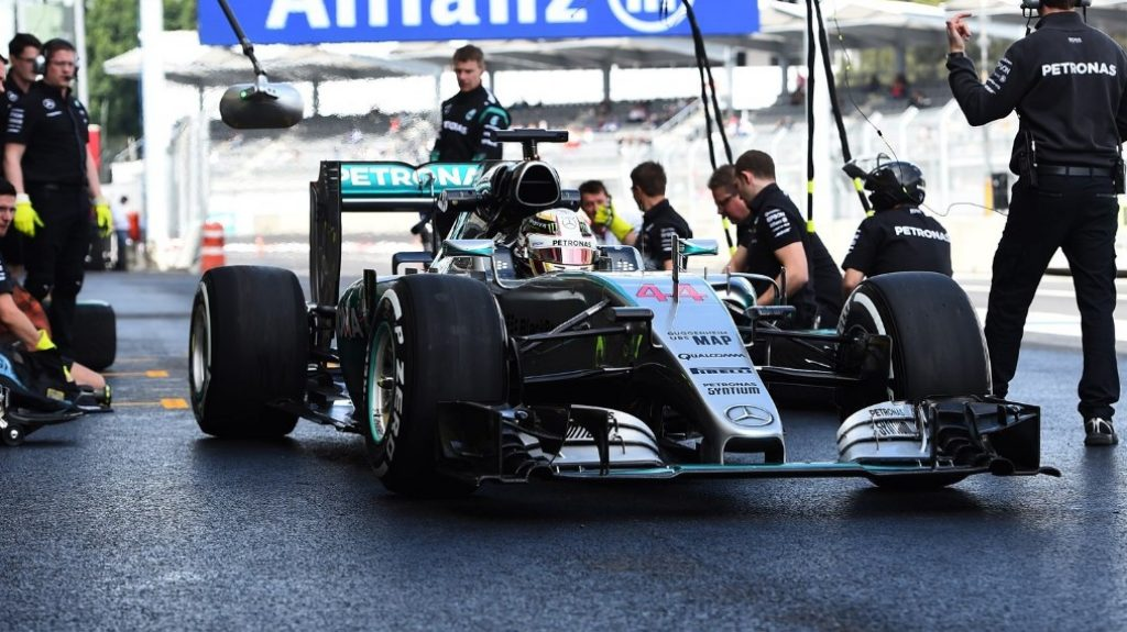 Drivers%20hit%20record%20speeds%20in%20Mexico
