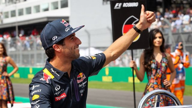 Daniel Ricciardo (AUS) Red Bull Racing RB11 at the drivers parade at Formula One World Championship, Rd17, Mexican Grand Prix, Race, Circuit Hermanos Rodriguez, Mexico City, Mexico, Sunday 1  November 2015. &copy&#x3b; Sutton Motorsport Images