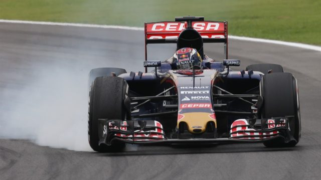 Max Verstappen (NDL) Scuderia Toro Rosso STR10 locks up at Formula One World Championship, Rd18, Brazilian Grand Prix, Practice, Interlagos, Sao Paulo, Brazil, Friday 13 November 2015. &copy&#x3b; Sutton Motorsport Images