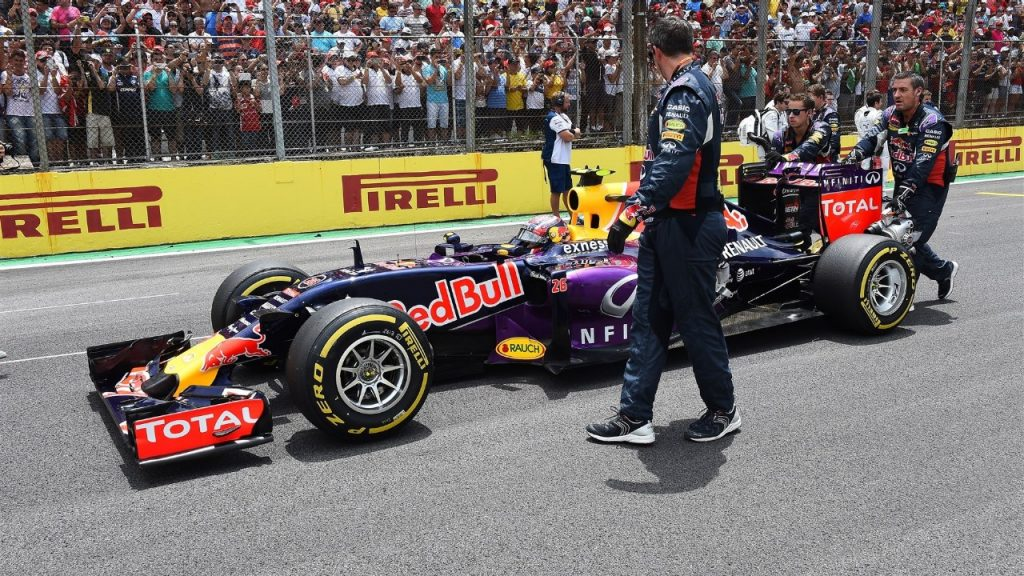 Red%20Bull%20to%20stick%20with%20older%20Renault%20power%20unit%20in%20Abu%20Dhabi