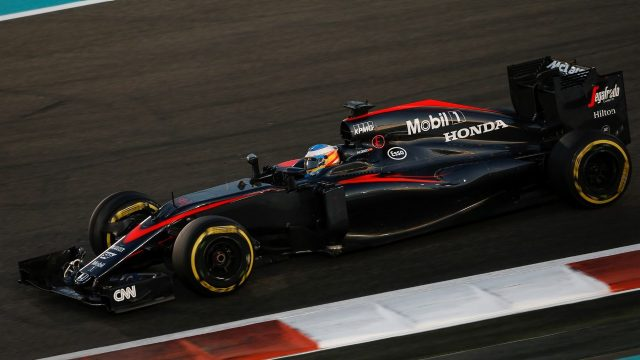 Fernando Alonso (ESP) McLaren MP4-30 at Formula One World Championship, Rd19, Abu Dhabi Grand Prix, Race, Yas Marina Circuit, Abu Dhabi, UAE, Sunday 29 November 2015. &copy&#x3b; Sutton Motorsport Images