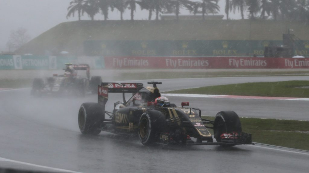 Grosjean%20hit%20with%20Sepang%20grid%20drop%20for%20pit%20lane%20infraction