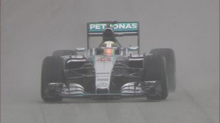 Qualifying - Hamilton denies Vettel after Sepang downpour