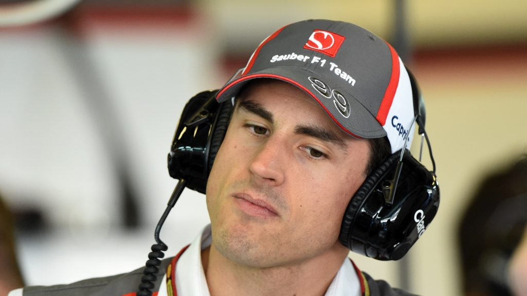 Sutil%20joins%20Williams%20as%202015%20reserve%20driver