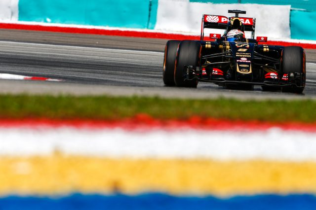 Romain Grosjean (FRA) Lotus E23 Hybrid at Formula One World Championship, Rd2, Malaysian Grand Prix, Practice, Sepang, Malaysia, Friday 27  March 2015. &copy&#x3b; Sutton Motorsport Images