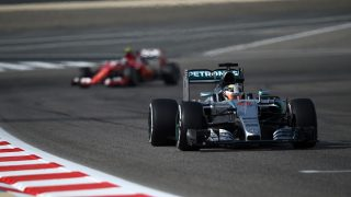 FP3 - Vettel splits the Mercedes in Sakhir