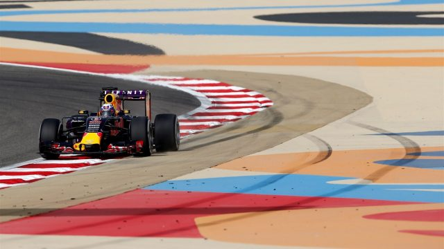 Daniel Ricciardo (AUS) Red Bull Racing RB11 at Formula One World Championship, Rd4, Bahrain Grand Prix Practice, Bahrain International Circuit, Sakhir, Bahrain, Friday 17 April 2015. &copy&#x3b; Sutton Motorsport Images
