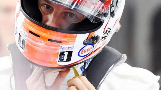 Jenson Button (GBR) McLaren at Formula One World Championship, Rd4, Bahrain Grand Prix Practice, Bahrain International Circuit, Sakhir, Bahrain, Friday 17 April 2015. &copy&#x3b; Sutton Motorsport Images