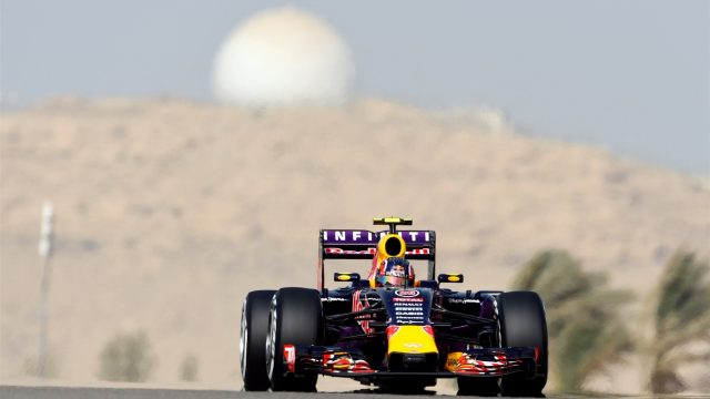 Daniil Kvyat (RUS) Red Bull Racing RB11 at Formula One World Championship, Rd4, Bahrain Grand Prix Qualifying, Bahrain International Circuit, Sakhir, Bahrain, Saturday 18  April 2015. &copy&#x3b; Sutton Motorsport Images