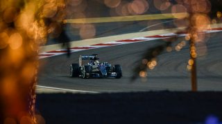 Qualifying - Hamilton storms to first Bahrain pole