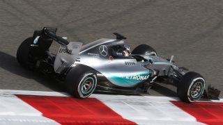 FP3 - Hamilton raises home game at Silverstone