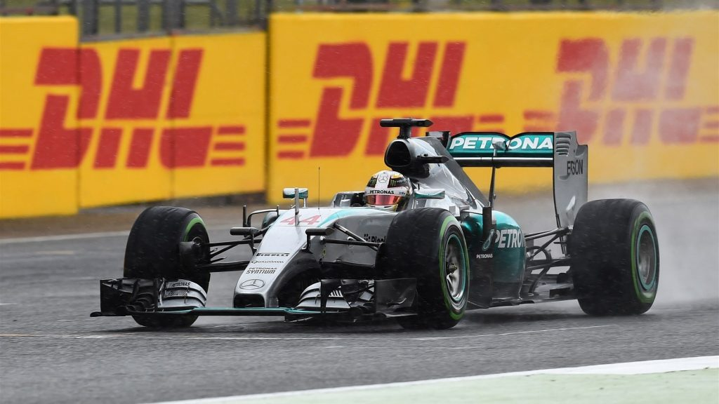 Hamilton%20weathers%20the%20storm%20for%20superb%20home%20victory