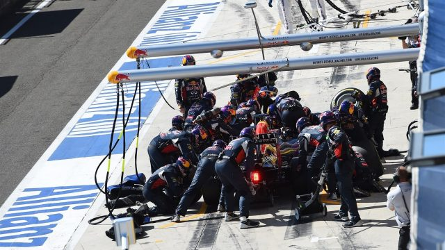 Daniel Ricciardo (AUS) Red Bull Racing RB11 pit stop with broken front wing at Formula One World Championship, Rd10, Hungarian Grand Prix, Race, Hungaroring, Hungary, Sunday 26 July 2015. &copy&#x3b; Sutton Motorsport Images