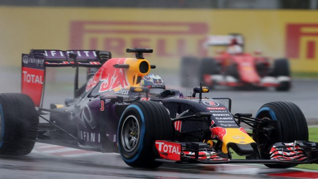 Daniel Ricciardo (AUS) Red Bull Racing RB11 at Formula One World Championship, Rd14, Japanese Grand Prix, Practice, Suzuka, Japan, Friday 25 September 2015. &copy&#x3b; Sutton Motorsport Images
