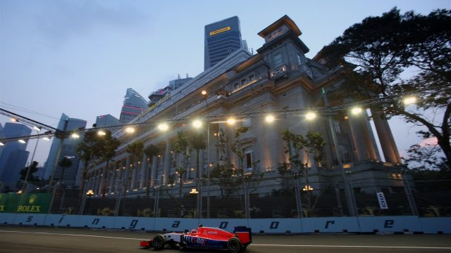 Will Stevens (GBR) Manor GP at Formula One World Championship, Rd13, Singapore Grand Prix, Qualifying, Marina Bay Street Circuit, Singapore, Saturday 19  September 2015. &copy&#x3b; Sutton Motorsport Images