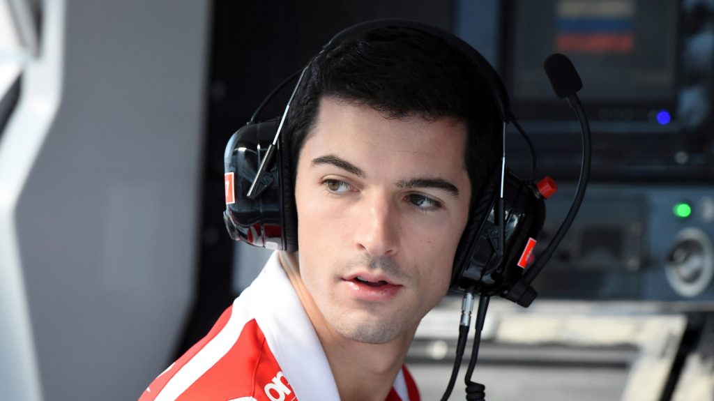 Marussia%20hand%20Rossi%20race%20debut%20in%20Singapore